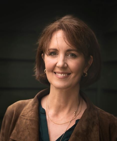 Suzie Cullen Headshot